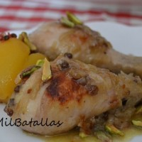 Pollo con melocotón y pistachos