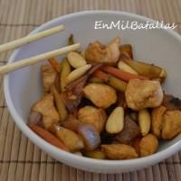 Pollo con almendras estilo oriental