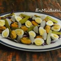 Ensalada de mejillones y huevos de codorniz