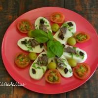 Ensalada de mozzarella y hierbas frescas
