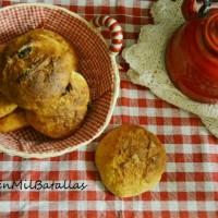 Panecillos dulces de naranja y pasas