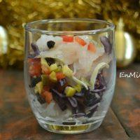Ensalada de merluza ahumada en vaso